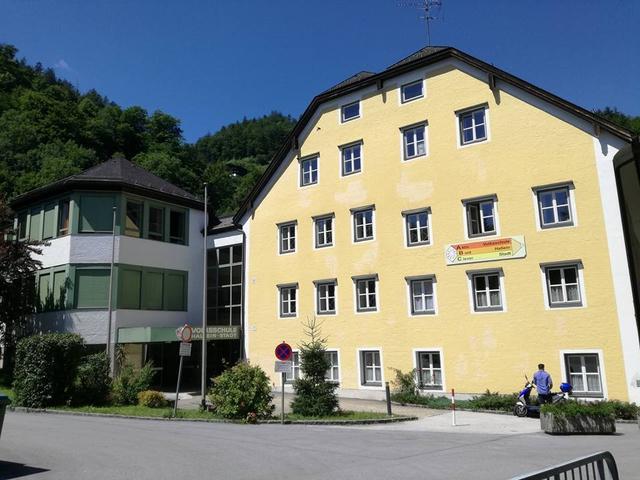 Volksschule hallein stadt home for Designer schule